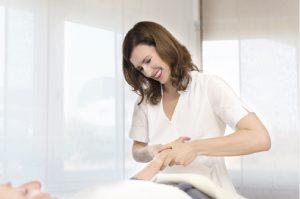 Kryolipolyse Behandlung Sandra Beck-Lankocz